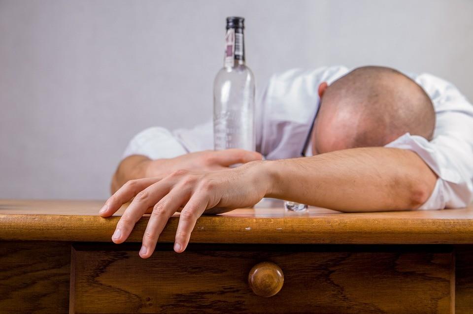 как действует водка на организм человека