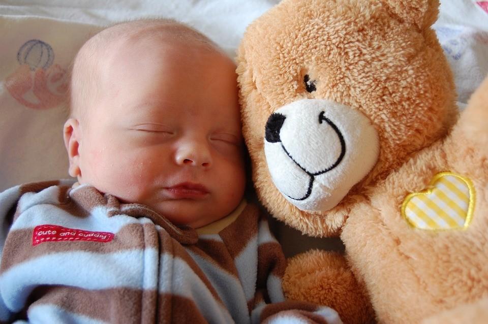 Почему ребенку снятся кошмары и что делать родителям
