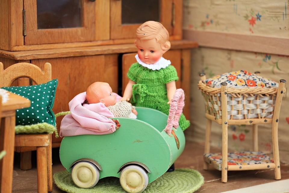 Можно ли укачивать ребенка и как это делать правильно