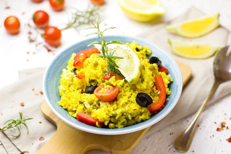 Как вкусно приготовить рис на гарнир: 5 рецептов со всего света