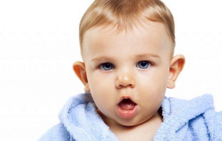 У ребенка оттопыриваются уши – что делать?
