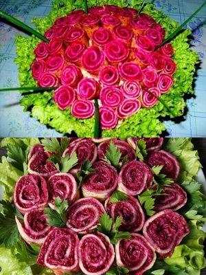 с розами из блинчиков