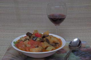 Read more about the article Аджапсандал: 9 классических и современных рецептов кавказской кухни