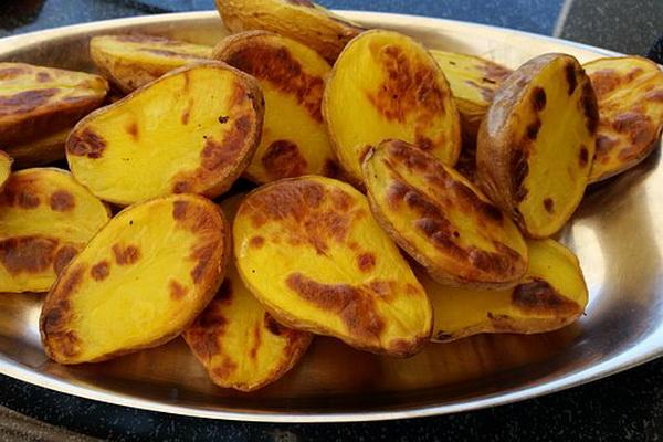 как вкусно пожарить молодой картофель