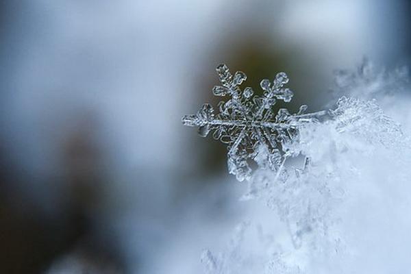 загадочная снежинка
