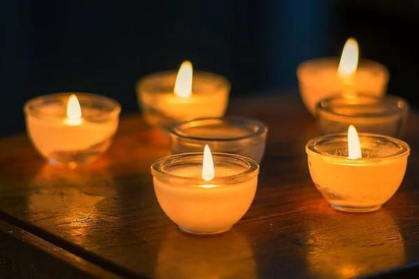 ароматные свечи к Новому году