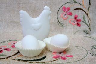 Выбираем куриные яйца: как определить свежесть продукта и отличить искусственное яйцо от натурального