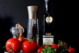 Какие приправы и заправки подходят для греческого салата: обзор магазинных пряных смесей, домашние рецепты