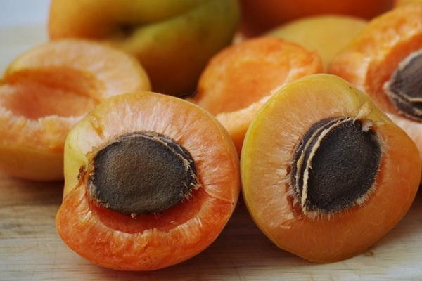 абрикос - это ягода или фрукт