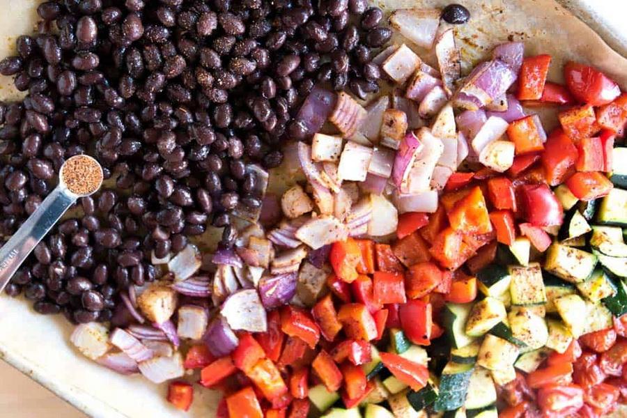 You are currently viewing Зерновая и спаржевая фасоль с овощами на зиму: рецепты, советы по консервированию