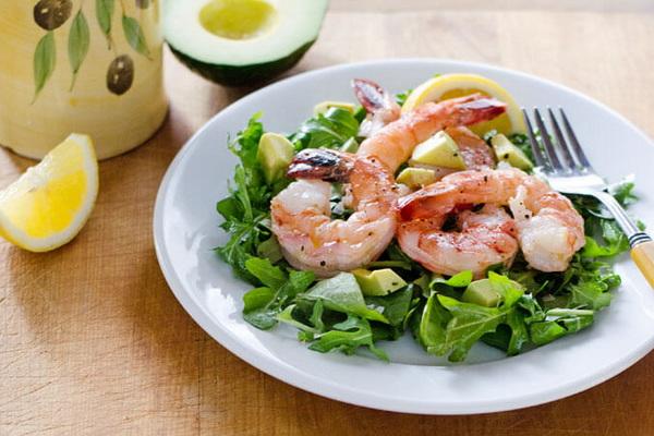 пп-салат из креветок и рукколы